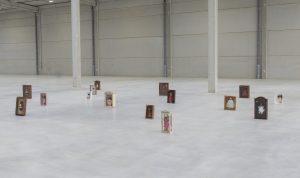 noemie-ninot-vous-mourrez-toutes-à-quinze-ans-installation-poupées-2021 (1)
